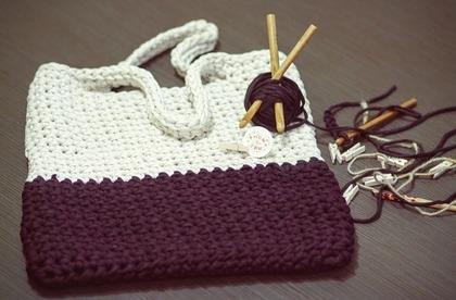 手作りの毛糸バッグ