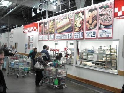 コストコの買い物客