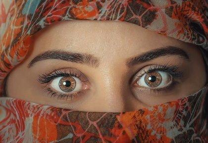 アンバーの瞳