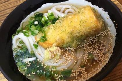 鍋焼きうどんに入っている天ぷら