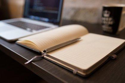 ノートとボールペン