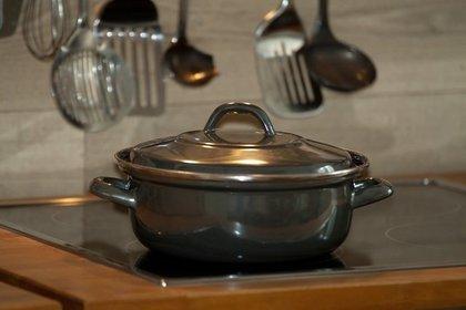 シンプルでおしゃれな両手鍋