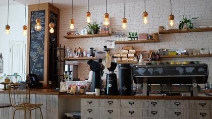 ホットカフェラテを買うコンビニ