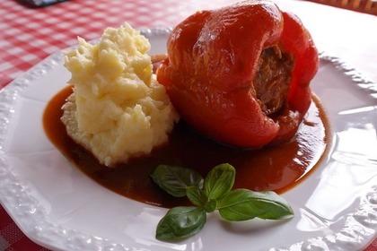 ピーマンの肉詰めとマッシュポテト