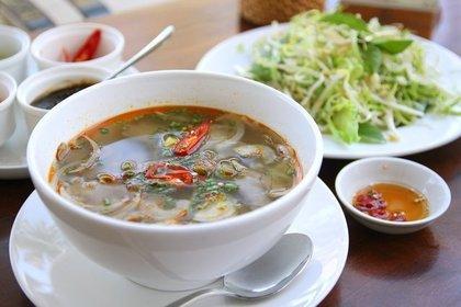 春雨スープとサラダ
