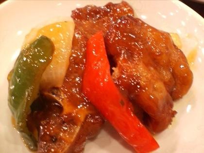 皿に盛った酢豚