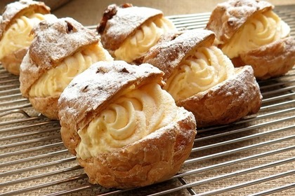Middle cream puffs 52e2d24242 1280