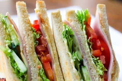 Middle sandwich 54e3d54249 1280