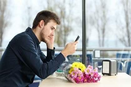 割れる 夢 携帯 携帯電話の夢・スマホの夢の夢占い