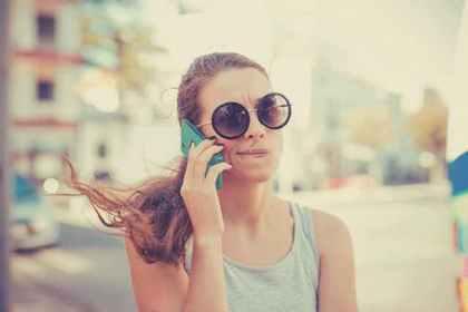 長電話が苦手な女性