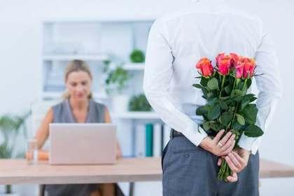 花や花束を贈る夢