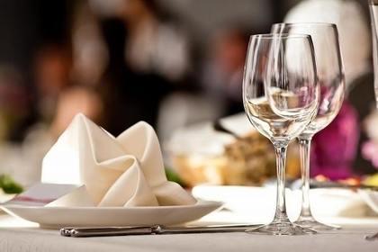お皿とグラス