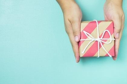 プレゼントを送る人