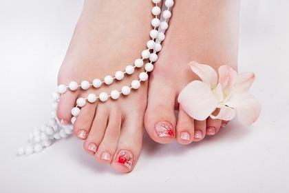 綺麗な足の指