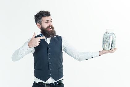 ひげを生やした男性