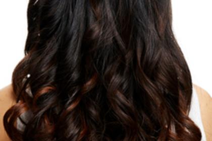 暗めの髪色