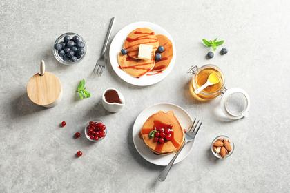 パンケーキとフルーツ