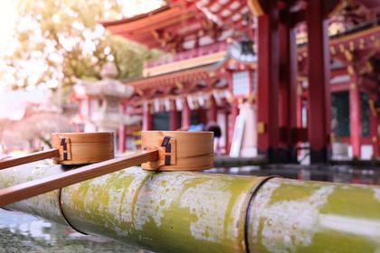 手水と神社