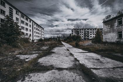 廃墟のような町並み