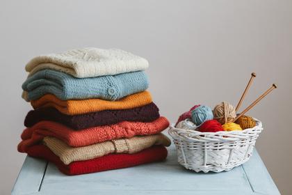 カラフルなセーターたち