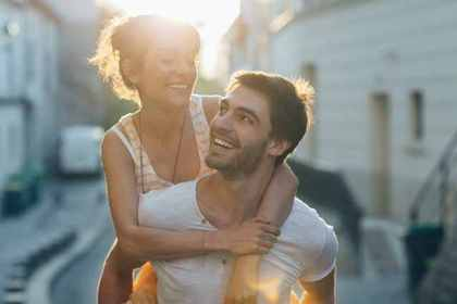 恋人同士の笑顔