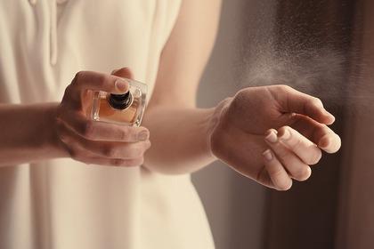 香水を降る