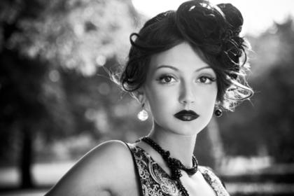 白黒写真の美人